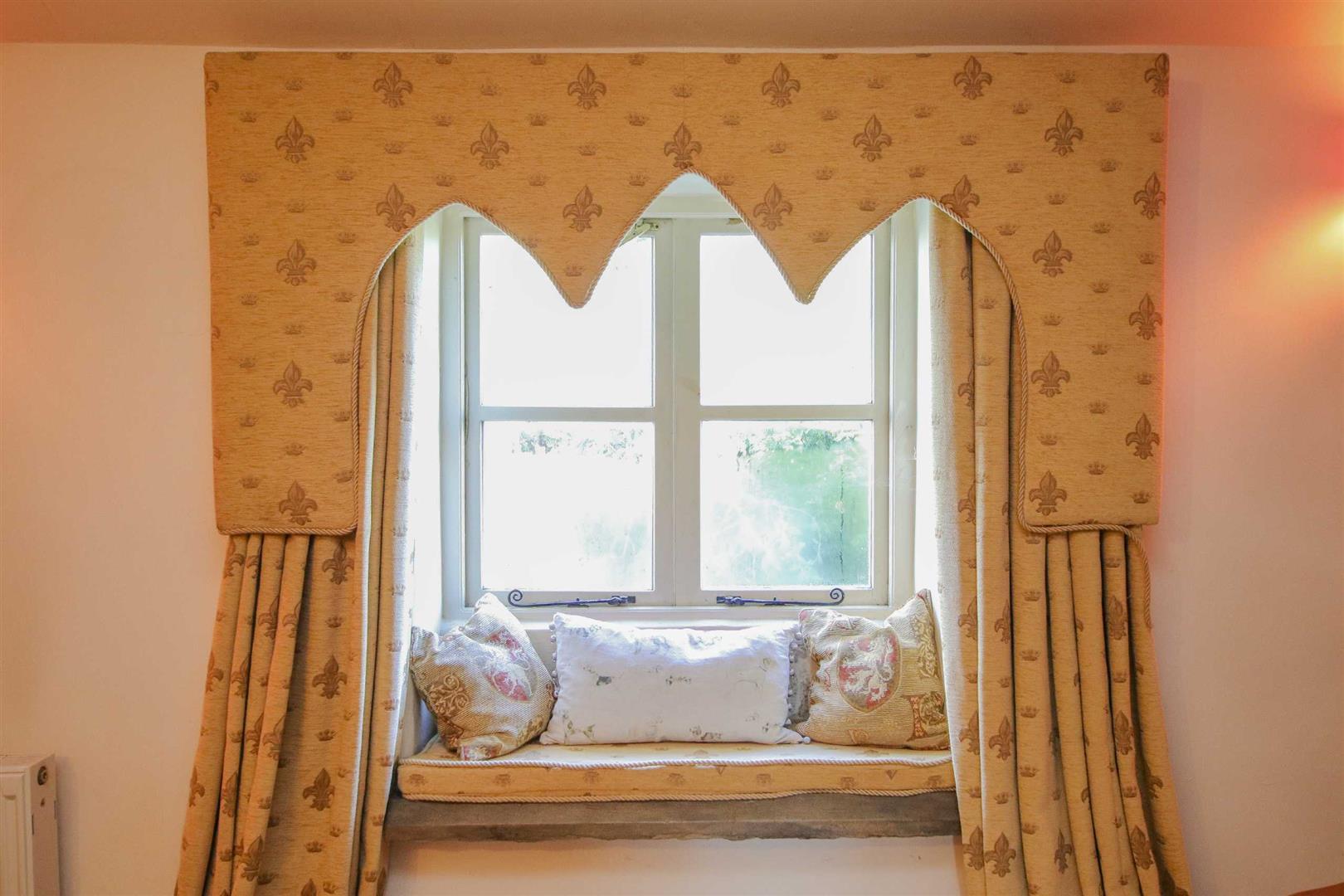 3 Bedroom Semi-detached House For Sale - p038856_20.jpg